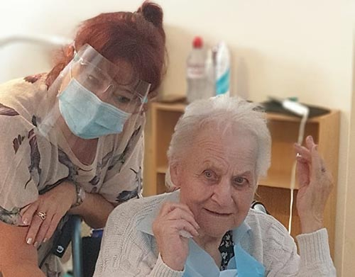 Hairdressing at our Dorchester care home Cheriton (Cheryl with resident)